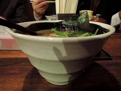 14/11/20麺場浜虎 塩鶏そば(半熟味付け玉子入り)2