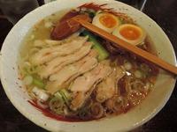 15/05/28らーめん中々(なかなか)鶏らーめん+煮玉子20