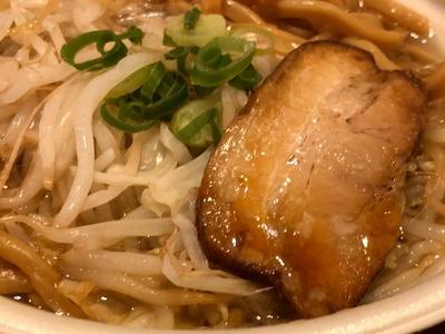 19/10/01中華蕎麦とみ田監修『豚ラーメン』 06
