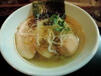 15/02/27麺や勝治 味玉入り青唐辛痛麺 1