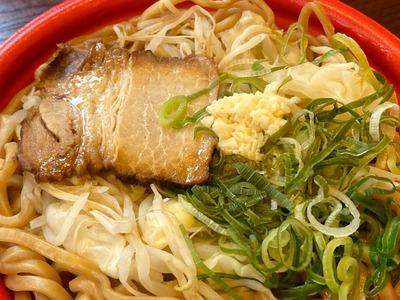 20/05/09ファミリーマート大盛にんにく醤油ラーメン 05