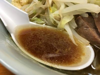 16/10/31ラーメン二郎新橋店 04