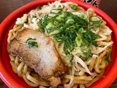 20/08/03ファミマの大盛にんにく醤油ラーメン 06