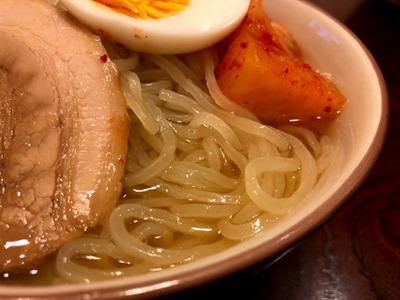 18/08/25セブンプレミアム本場盛岡冷麺 03