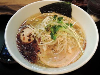 14/08/22麺や勝治 青唐辛痛麺 2
