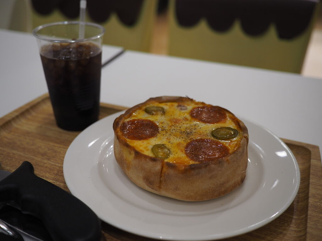 様々なチーズ料理がたくさん用意されたチーズ好きにはたまらないお店! 梅田 「チーズレストラン リコッタ 阪急三番街店」