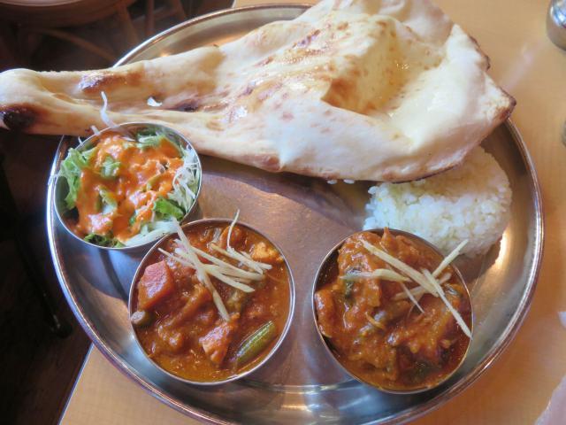 アキバのインド料理「アールティー」で日替わり「蕪とチキンのカレー」(週末はビリヤニが大人気!)