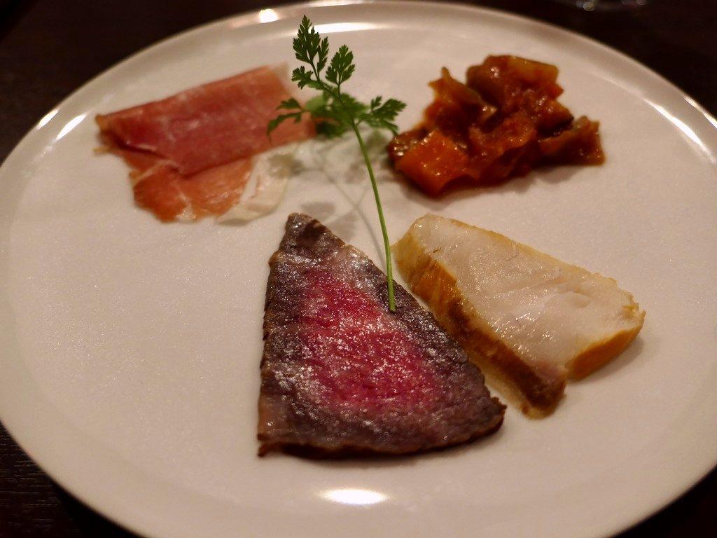 豪快なフィレンツェステーキと本格薪窯のピッツァだけでなく、前菜もパスタも全てが感動的に旨い京都の新星イタリアン! 京都市中京区 「ビステッカ・ナオキ」