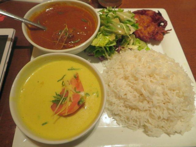 JR品川駅ナカのインド料理「シターラダイナー」でランチカレー2種セット