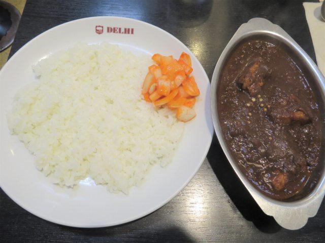 》昭和のカレー遺産《 「デリー上野店」で「コルマポーク(VVH)」と「ミニサラダ」