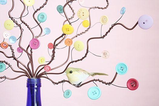 子供服のボタンを再利用。アートなボタンツリー!