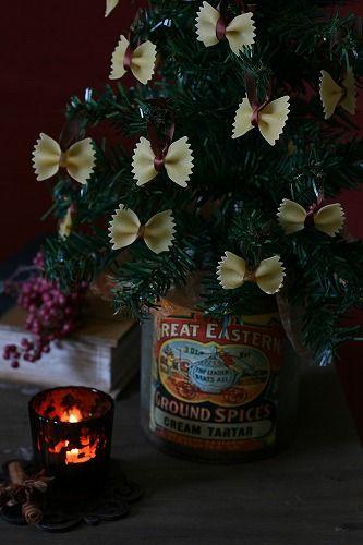 ◆クリスマスNo.16 100円ツリーにパスタのオーナメント