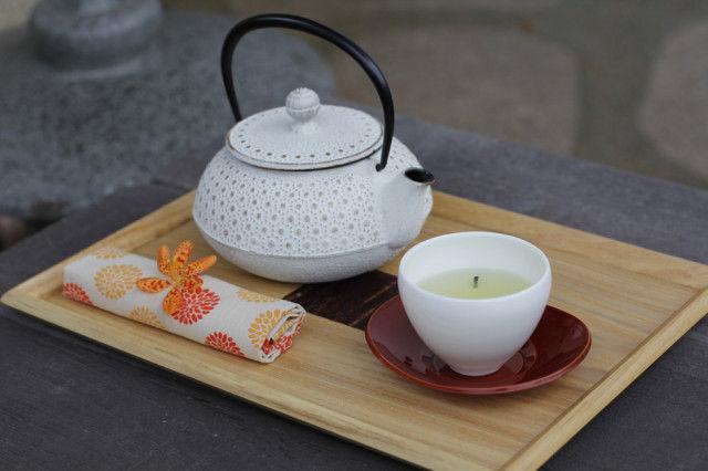 茶柱がたつ!「茶柱縁起茶」で長寿の願いを