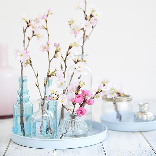 枝ものをカジュアルなテーブルフラワーとして飾るコツ