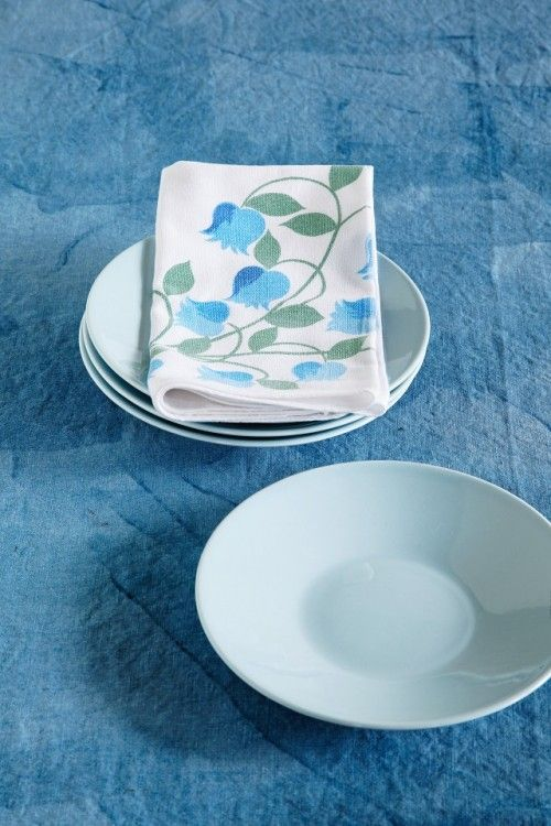 lino blue dish 003