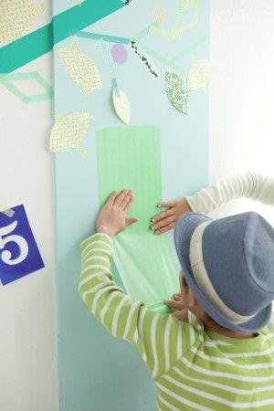子どもたちも楽しみながら、 木の幹をつくったり、身長を測ったり……。
