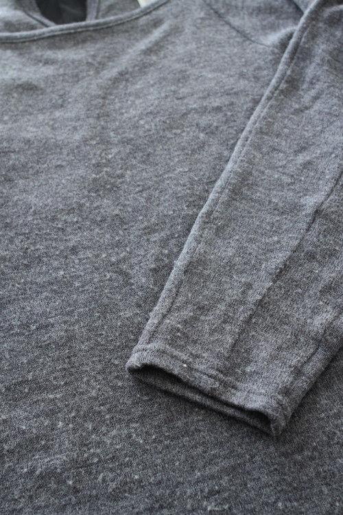 ニットの毛玉は、洋服ブラシで簡単お手入れ!