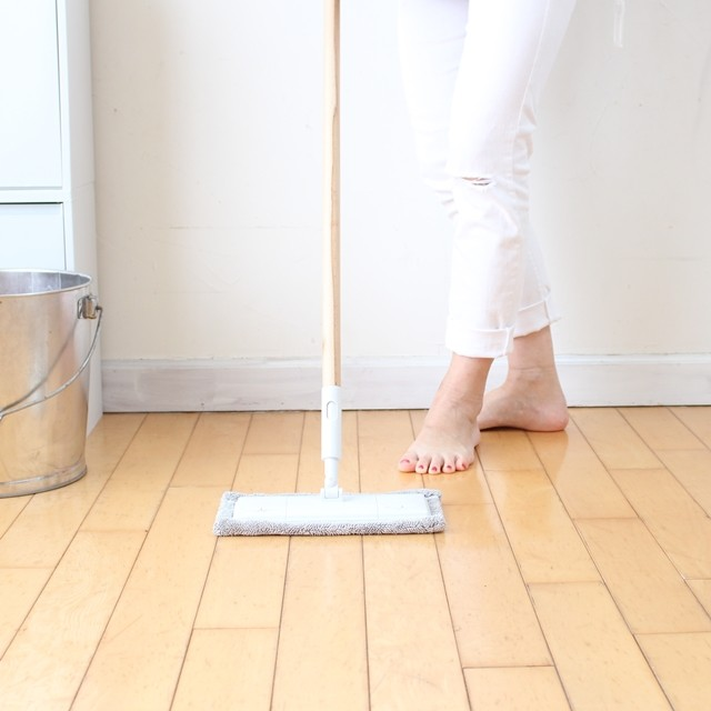 フローリング掃除の基本♪ 無印良品のモップで砂汚れ、皮脂汚れもさっぱり!