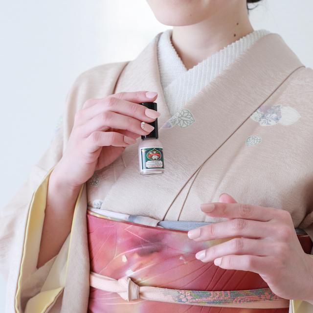 ネイルが苦手な方にもオススメ!京都の老舗発 爪に優しい胡粉ネイル