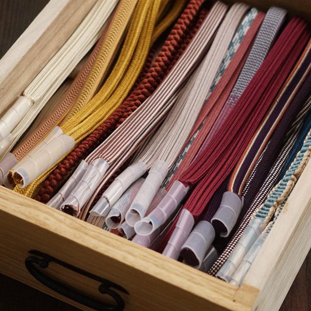 100均グッズで着付け小物を収納! 帯締めのフサフサをいつまでもきれいに