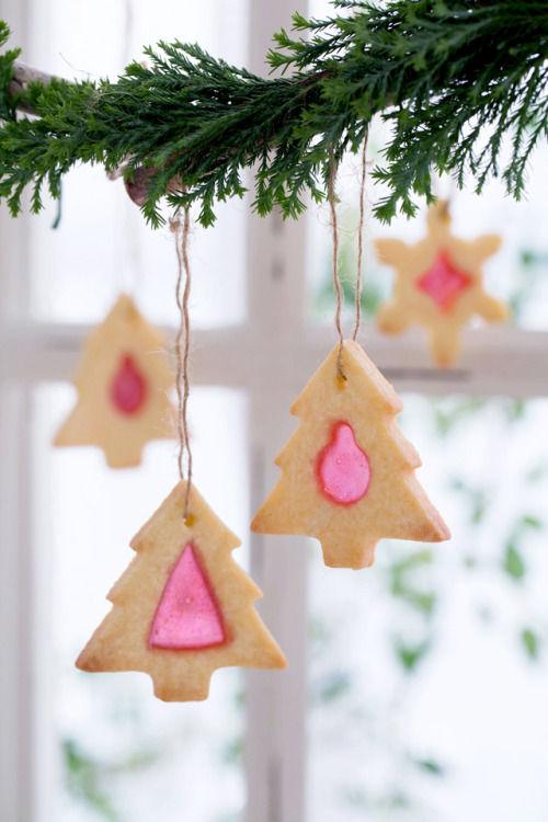 クリスマスはキャンディでキラキラ☆ ステンドグラスクッキーを!