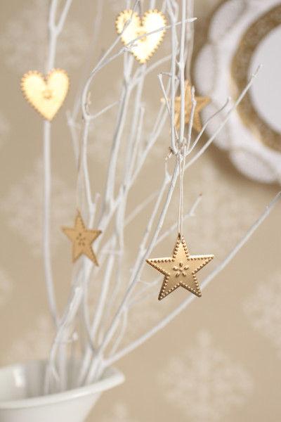 今年のクリスマスは ツリーと一緒に ウォールデコにもチャレンジしてみてはいかがですか?