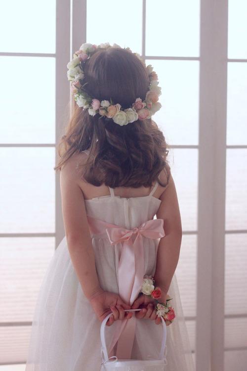 女の子の憧れ♪ バラとラナンキュラスの花冠でフラワーガール