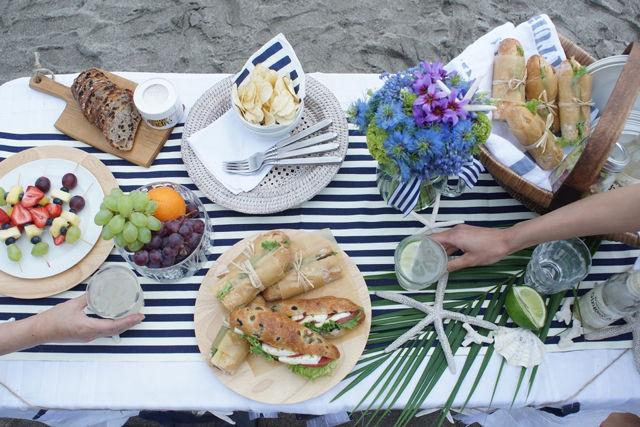 大人の海辺ピクニック ~ 超簡単!アウトドアギャザリングにぴったりのフード&ドリンク