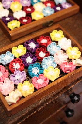 マカロンのようにカラフルで可愛いそめ花シリーズ、梅のUピン。