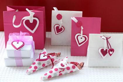 バレンタイン・プレゼントにかわいい一工夫!クレイでラッピング
