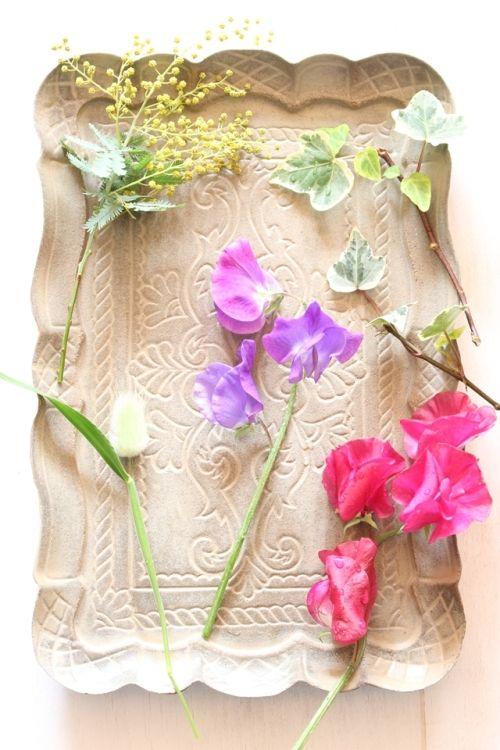 春の花を愉しむ&簡単・壁づけ収納棚 ~ 「ナチュラルな暮らしのヒント」から