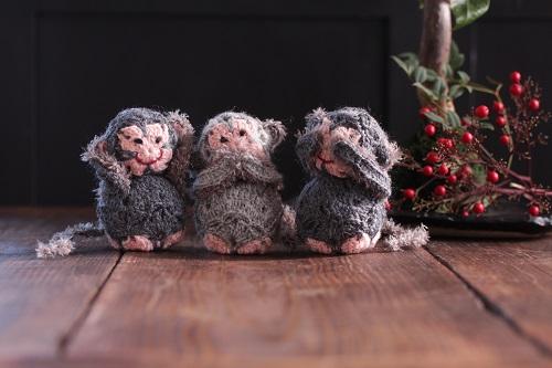 【モバ編み】かぎ針モチーフで簡単♪ 三猿干支の編みぐるみ 四角く編んで球にする作り方