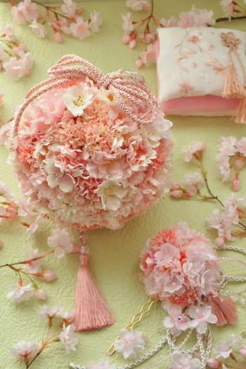 和装婚に 桜のボールブーケと髪飾り