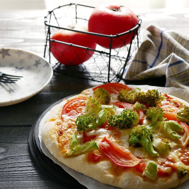 オーブンまで30分!時短発酵で作る簡単ピザの作り方