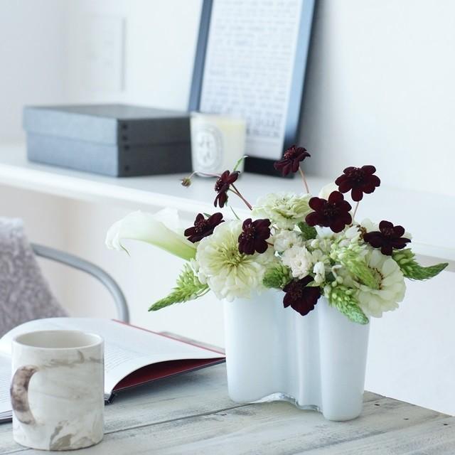 モダンな花色配色! ブラック&ホワイトの花あしらいのコツ