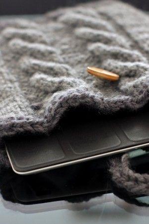 Let's knit!真っすぐ編むだけのスマホカバー