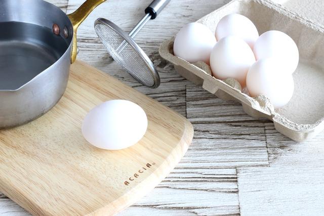 ゆで卵 作り方 コツ 半熟
