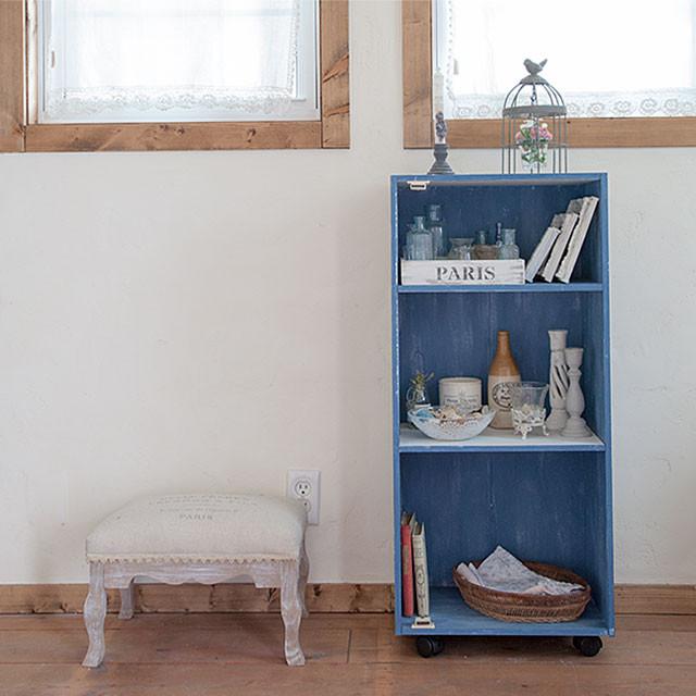 週末ペイントDIY♪ カラーボックスを簡単リメイク:上品な質感に塗り替えよう!