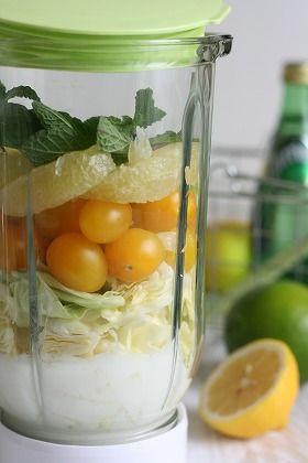 ミキサーにかけるだけ!パステルカラーの野菜ジュース