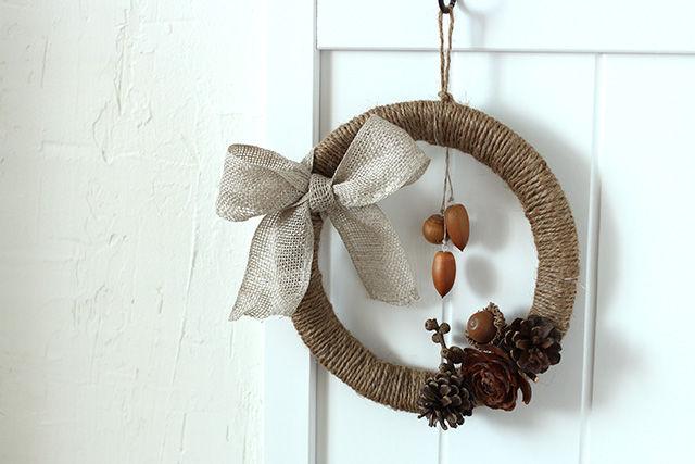 紙皿と麻ひもで作れちゃう♪ 実ものを使った秋色リース