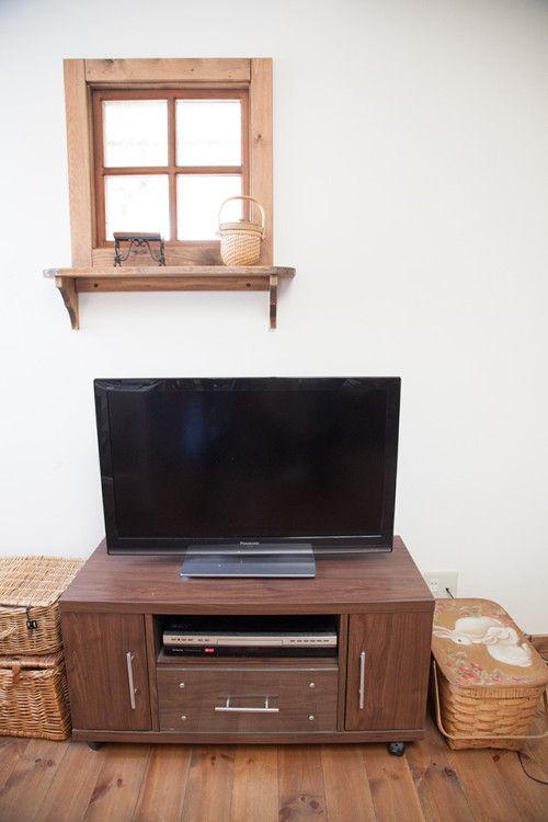 「アニースローン」でリペイント! 組立式テレビボードがフレンチシックに変身