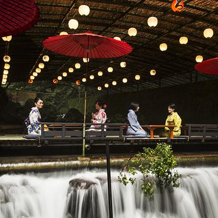 夏の京都・貴船「料理旅館ひろ文」で楽しむ川床料理