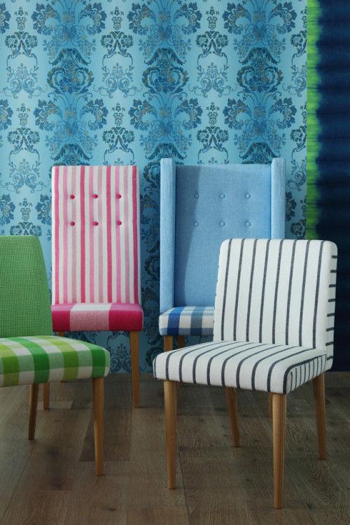 後列、ウィングチェアをモダンにアレンジしたチェア。 左 Harper alto Chair ¥130,000(¥102,000~) 右 Harper alto Side Chair ¥171,000(¥122,000~) 前列左、丸みを帯びた背のシンプルなチェア。 TANGO Chair ¥125,000(¥102,000~) カバーリング対応可。 NEWPORT Low Back Chair ¥89,000(¥75,000~)