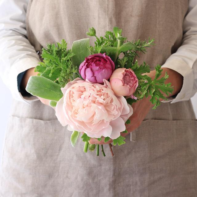 母の日のプレゼントに♪ 香りを楽しむ花束「タッジーマッジー」
