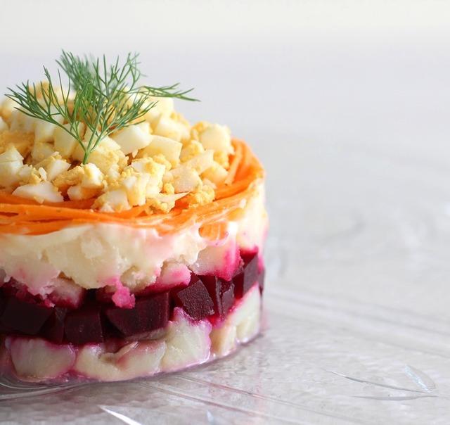 火を使わない!夏のおもてなしレシピ♪ 超簡単☆ロシア料理「毛皮を着たニシン」