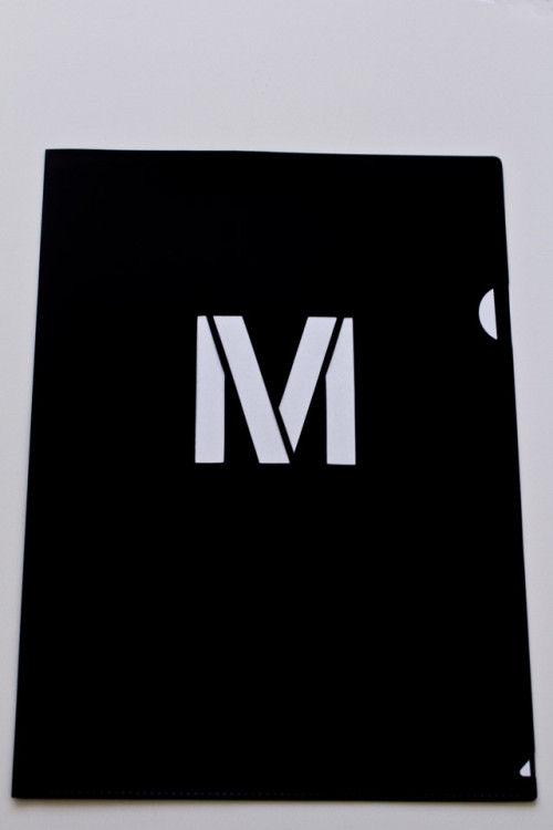 「MUJI」のペーパーホルダーで、カッコ良く書類を仕分けしよう