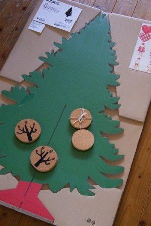 IKEA/カードボードのツリーをウォールデコに