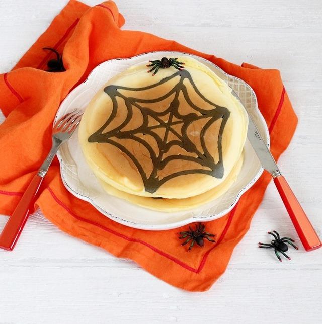 子どもが喜ぶ!簡単ハロウィンレシピ 「お絵かきパンケーキ」の作り方