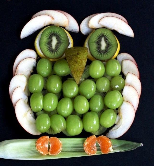 簡単! 切って並べるだけ!!  果物フクロウの作り方