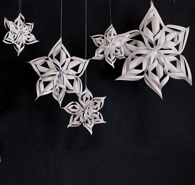 A4コピー用紙で簡単クリスマス飾り!スノーディスプレイの作り方